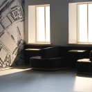 <p>Parter &ndash; hall gł&oacute;wny &ndash; miejsce spotkań<br />makieta, skala 1:20</p>